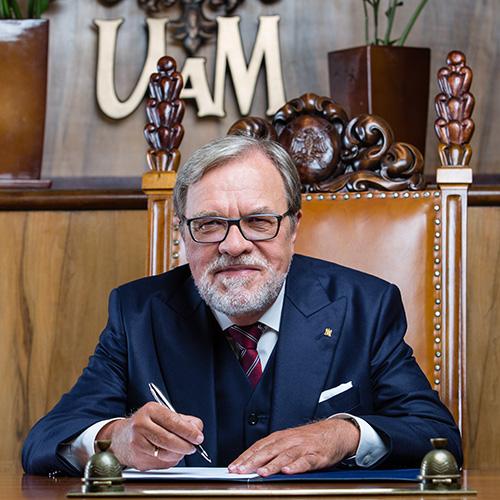 prof. Andrzej Lesicki